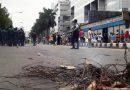 বসুন্ধরা সিটিতে শুল্ক গোয়েন্দার অভিযান : মোবাইল ব্যবসায়ীদের সড়ক অবরোধ